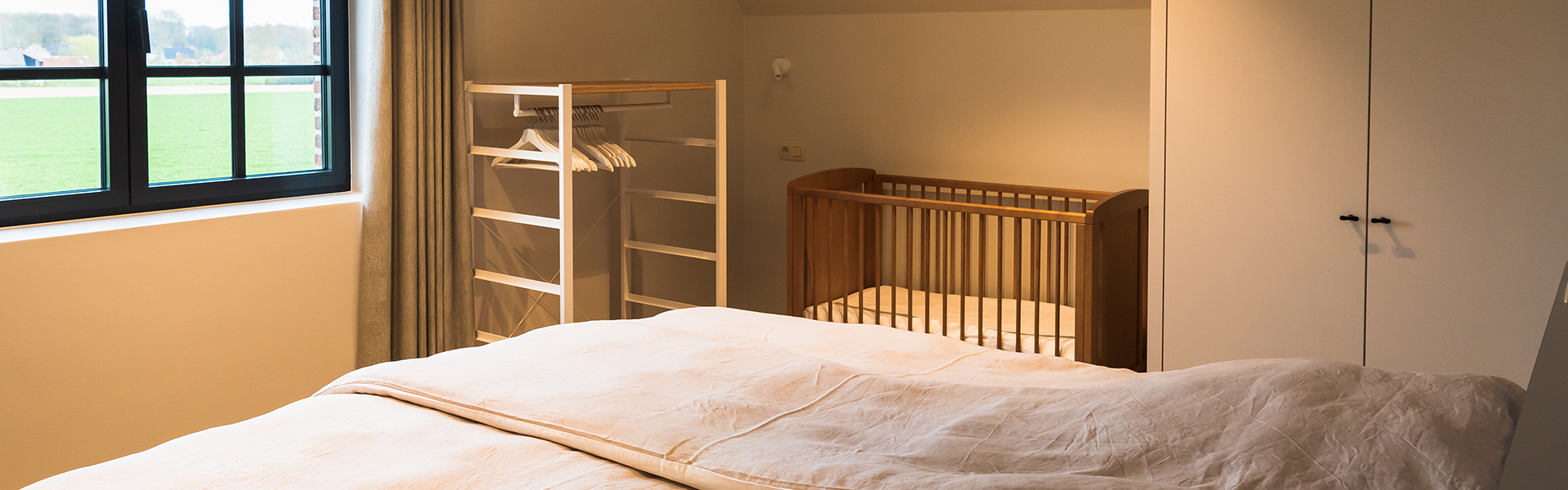 Kamers met apart kinderbedje